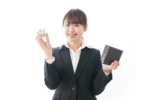 不動産と財布の写真素材 [FYI04723216]