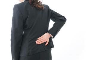 体調不良の女性の写真素材 [FYI04723280]