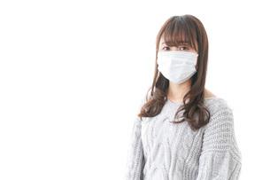 風邪をひいた女性の写真素材 [FYI04723433]