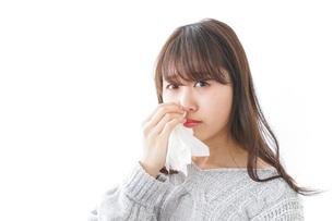 鼻血が出た女性の写真素材 [FYI04723449]