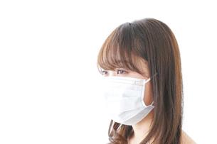 体調不良の女性の写真素材 [FYI04723450]