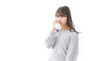 鼻血が出た女性の写真素材 [FYI04723454]