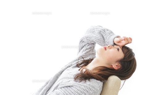 発熱した女性の写真素材 [FYI04723537]
