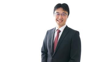 笑顔のビジネスマンの写真素材 [FYI04723940]
