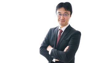 笑顔のビジネスマンの写真素材 [FYI04723945]