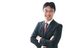 笑顔のビジネスマンの写真素材 [FYI04723948]
