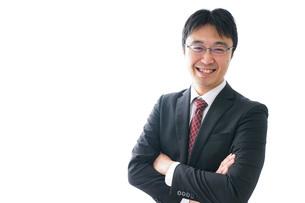 笑顔のビジネスマンの写真素材 [FYI04723950]