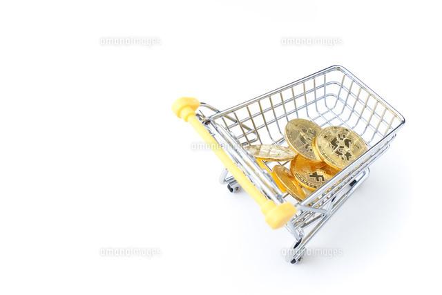 ビットコインでショッピングの写真素材 [FYI04724564]