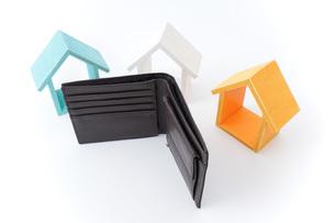 不動産と財布の写真素材 [FYI04724573]