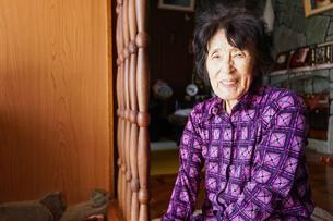 高齢の女性の写真素材 [FYI04724934]