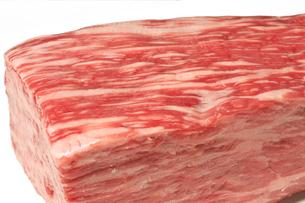 黒毛和牛 もも肉 ブロック アップの写真素材 [FYI04727084]
