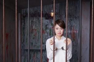 逮捕された女性の写真素材 [FYI04727315]