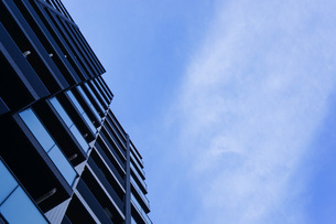 高層ビル・タワーマンションの写真素材 [FYI04727330]