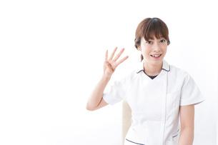 若い女性看護師の写真素材 [FYI04727422]