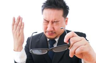 長時間労働に疲れるビジネスマン・働き方改革の写真素材 [FYI04727501]