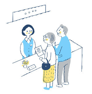 受付窓口 受付係の女性とシニア夫婦のイラスト素材 [FYI04728168]