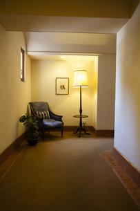 マンションの廊下の写真素材 [FYI04729675]