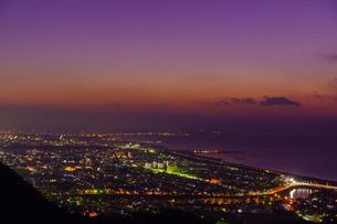 神奈川県 湘南平 湘南の夜景の写真素材 [FYI04730152]