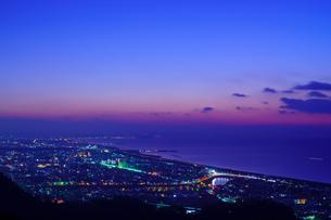 神奈川県 湘南平 湘南の夜景の写真素材 [FYI04730153]