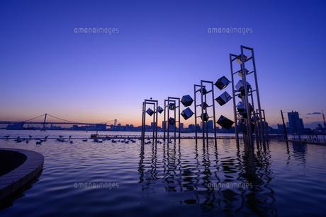 東京 晴海埠頭の夜景の写真素材 [FYI04730162]
