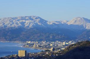 神奈川県二宮町 吾妻山公園から眺める箱根の山々の写真素材 [FYI04730208]