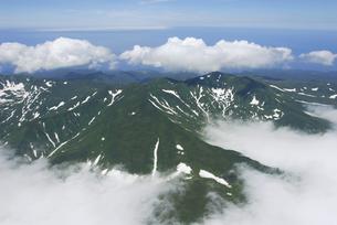 空から見る知床の山並み(北海道・知床)の写真素材 [FYI04730241]