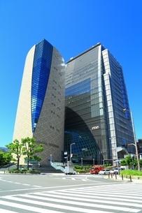大阪歴史博物館とNHK大阪放送局の写真素材 [FYI04730553]