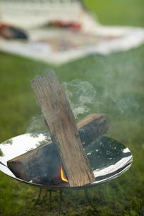 焚き火台の写真素材 [FYI04730601]