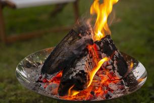 焚き火の写真素材 [FYI04730710]