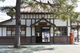 2020年桜シーズンの長瀞駅の写真素材 [FYI04730984]