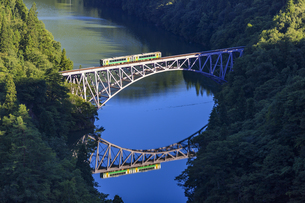 福島県 只見線 第一只見川橋梁の写真素材 [FYI04731092]