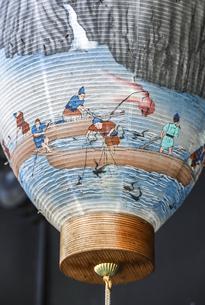 長良川鵜飼描写のレトロな提灯アップの写真素材 [FYI04731869]