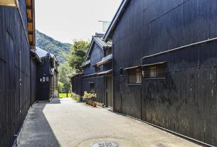 岐阜川原町古い町並みの路地風景の写真素材 [FYI04731881]
