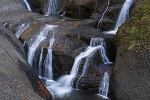 晩秋の袋田の滝の写真素材 [FYI04732257]