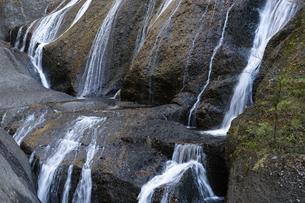 晩秋の袋田の滝の写真素材 [FYI04732260]