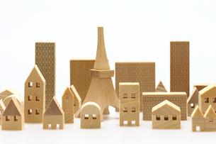 家とビルのミニチュア模型の写真素材 [FYI04732479]