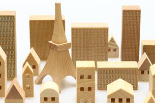 家とビルのミニチュア模型の写真素材 [FYI04732480]
