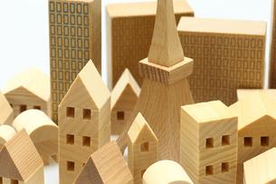 家とビルのミニチュア模型の写真素材 [FYI04732481]