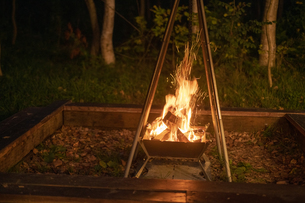 焚き火の写真素材 [FYI04732805]
