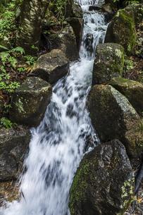 落差のある水路の写真素材 [FYI04733146]