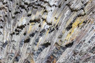 荒々しくも美しい華厳渓谷の柱状節理の写真素材 [FYI04733224]