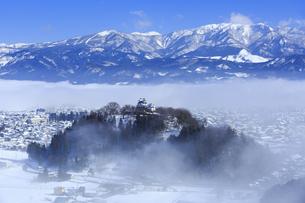 雲海の越前大野城と白山の写真素材 [FYI04733293]