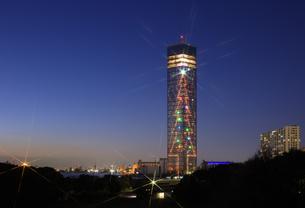 千葉ポートタワーのクリスマスイルミネーションの写真素材 [FYI04733302]