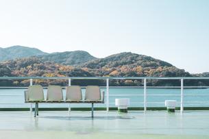 【香川県 小豆島】フェリーから見る瀬戸内海の様子 海上交通の写真素材 [FYI04733369]