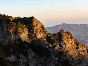 【香川県 小豆島】夕方の秋の寒霞渓の様子の写真素材 [FYI04733418]