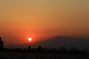 夕日の写真素材 [FYI04733961]