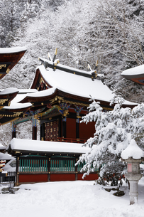 雪の三峯神社 本殿の写真素材 [FYI04734654]