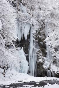 三十槌の氷柱の雪景色の写真素材 [FYI04734664]