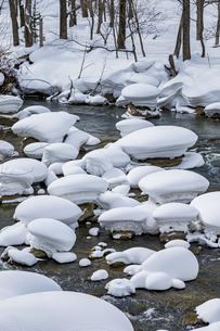 石狩川の真冬の光景の写真素材 [FYI04734703]
