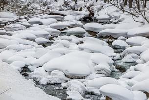 石狩川の真冬の光景の写真素材 [FYI04734704]